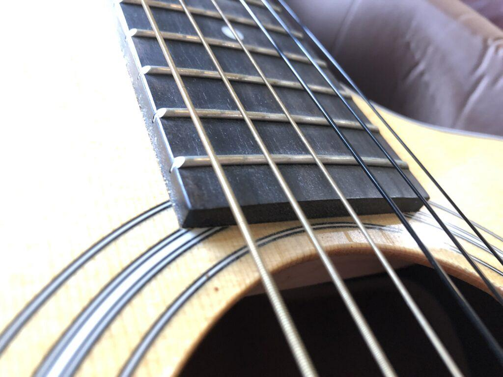 flatwound acoustic strings